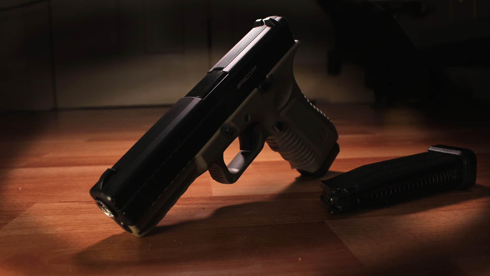 Two Lebanese Residents Accused of Trying to Export Guns in Honda