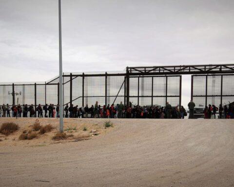 el paso border migrants