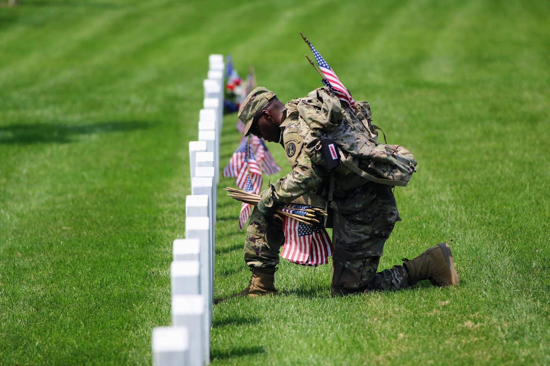 memorial day flags arlington