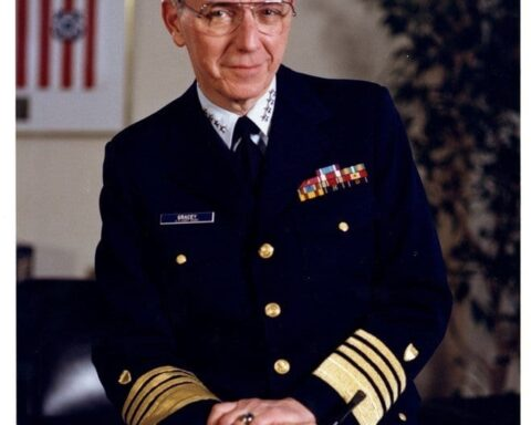 17th Coast Guard Commandant Adm. James S. Gracey Dies at Age 92